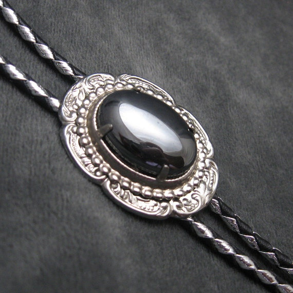 Hematite Bolo Silver Black Cord H210
