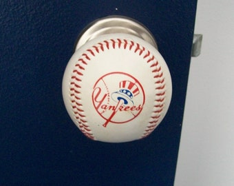 TEAM LOGO Baseball Doorknobs made with a genuine Rawlings baseballs