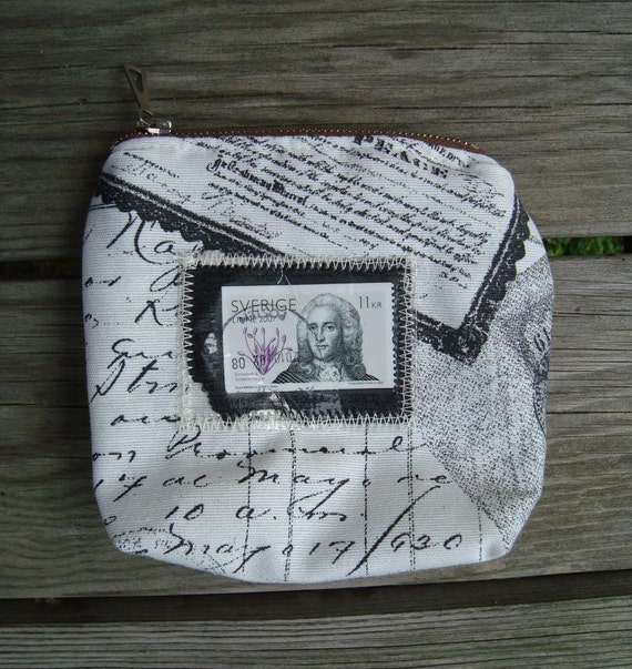 Small Zip Purse in white and black with postal stamp Carl Linnaeus