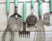 collection of 14 assorted green kitchen utensils - barleyandrye