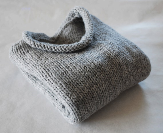 Toddler Baby Light Grey Hand Knit Sweater Size 9 to 18 Months