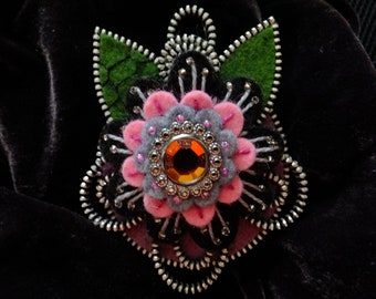 Flower Felt Zipper Brooch (For Coat/Jacket/Hat )
