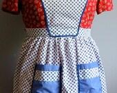 VINTAGE  BLUE APRON  Polka Dots Cotton Ladies Pockets Bib