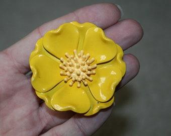 1960s Yellow Enamel Metal Flower Pin True Vintage