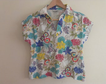 80s floral eighties shirt medium has spots on belly