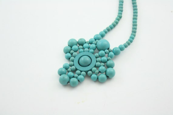 1970's vintage turquoise wooden medallion necklace