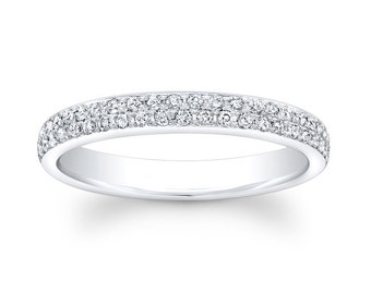 Ladies Platinum pave diamond wedding band with 0.33 carats G-VS2 diamond quality