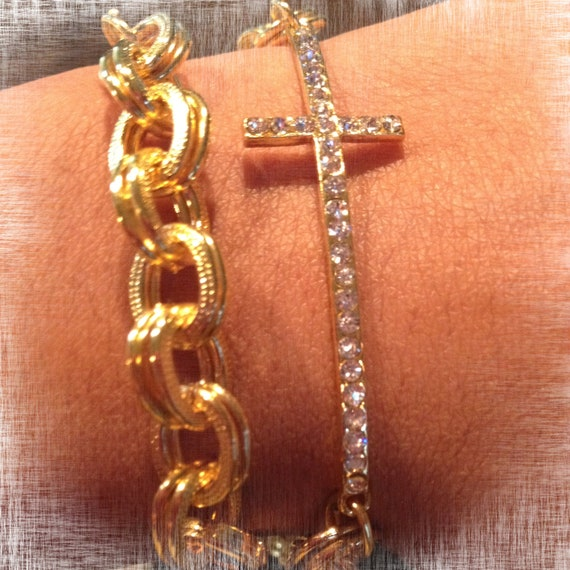 The CHRISTINA: Delicate Cross Pave Chain Bracelet