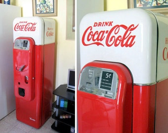 1956-59 Vendo V-44 Coca Cola Machine (Pick Up Only)
