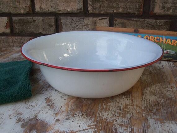 "White Enamelware Basin - Old Farmhouse 12"" Enamel Pan with Red Trim"