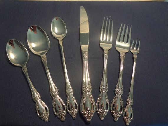 JOANN here Oneida Stainless RAPHAEL 7 Piece Place Setting NEW Silverware Utensils Flatware Sold sold