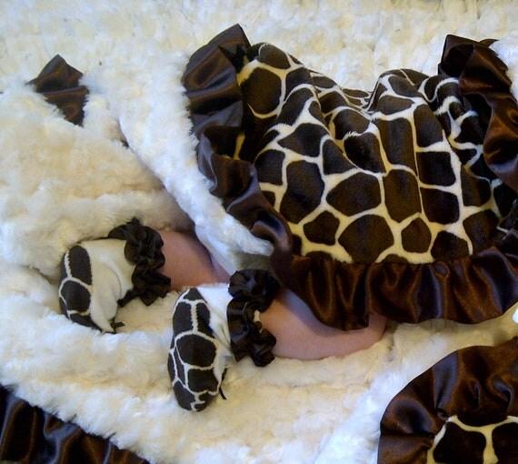 Giraffe Minky Baby Blanket