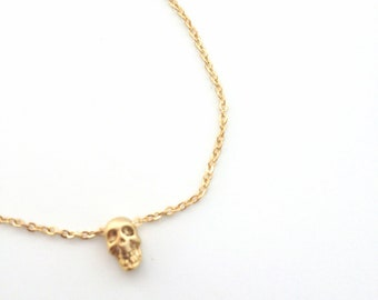 Tiny Skull Necklace - Dainty everyday jewelry - Minimalist jewelry