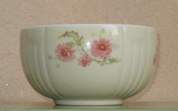 Hall Mixing Bowl - ribbed and draped with pink flowers and greenery.  Hard to find floral design.