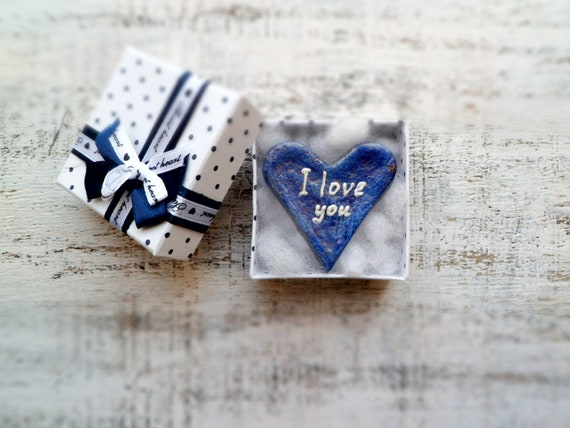 Rustic shabby heart magnet love message I love you bronze navy blue white
