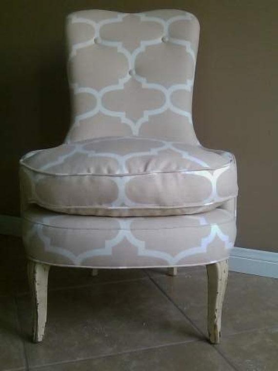 Classic Vintage Slipper Chair