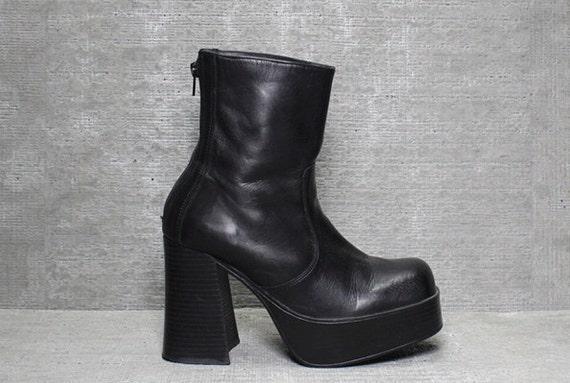 Vtg 90s Black Leather Chunk Heel Monster Platform Ankle Boots 8 8 1/2 8.5