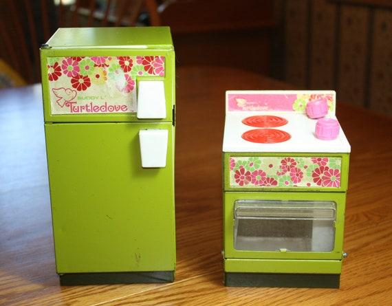 Vintage Buddy L Turtledove Kitchen Set - stove and fridge