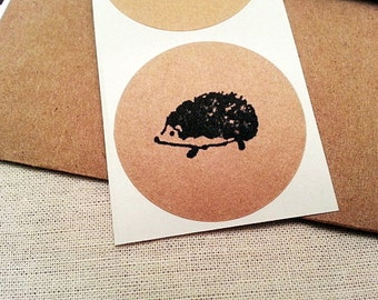30 Hedgehog Round Stickers / Woodland Animal Envelope Seals / Labels / Gift Embellishment / Kraft Circle Labels