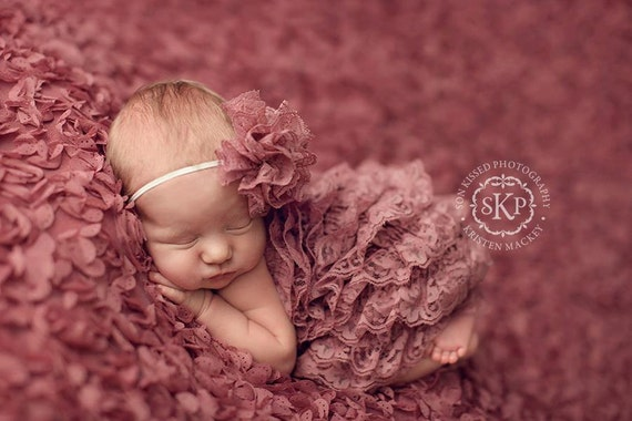 Newborn Photography Fabric Backdrop - Flutter Backdrop in Mauve - 2 Yards