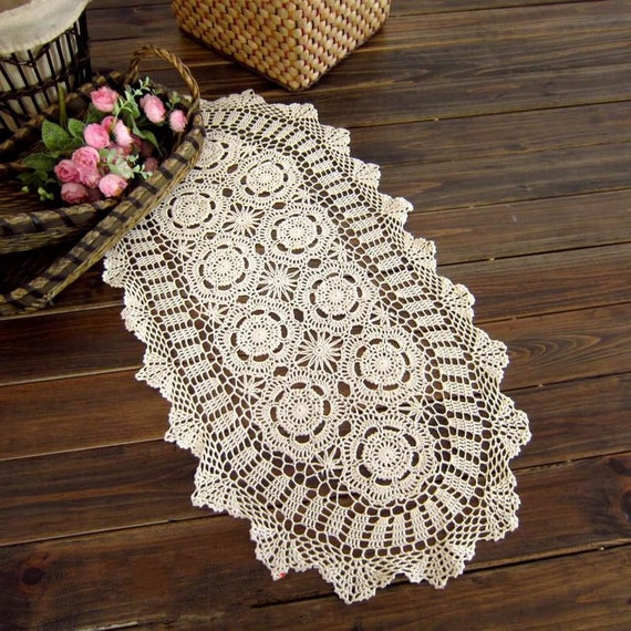 Shabby Chic Wedding Table Decorations: Crochet Table Runner 38X76CM Shabby Chic By TableclothShop