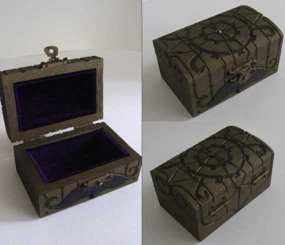 American Mcgee Alice inspired small steampunk jewellery/treasure box with custom name, ideal for a gift, made to order