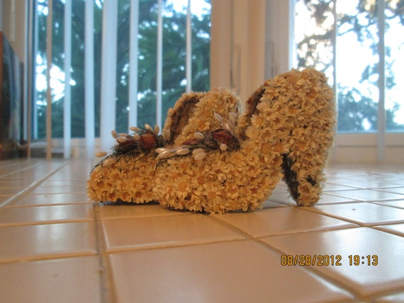 Miniature Dried Flower Shoes