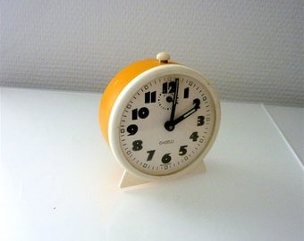 Vintage 1970's Alarm Clock, Cheerful Yellow Loud Alarm Mellow Tick-Tack