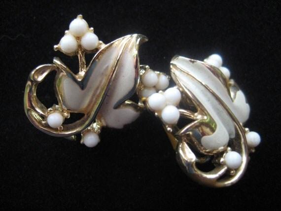 1920s - 1930s Vintage Coro Enamel Gold & Pearl Leaf Earrings