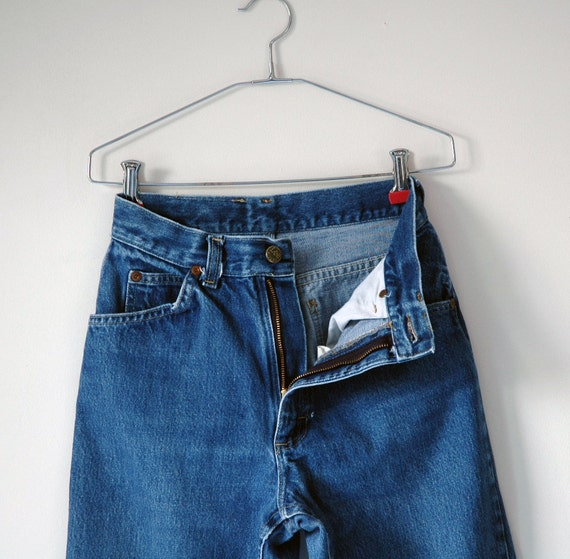 Vintage 80's/90's LEE Jeans, High Waist, Zip Fly, Women's Size 26 Waist, Curve Hugging