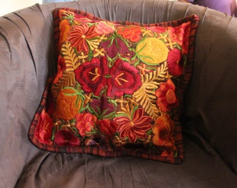 Flowery Throw Pillow Case