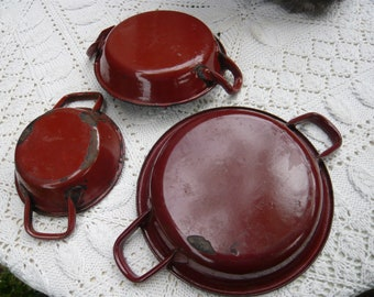 SALES,series of three antique french country enamel red-brown pans for cooking eggs,1930-40,Normandy.