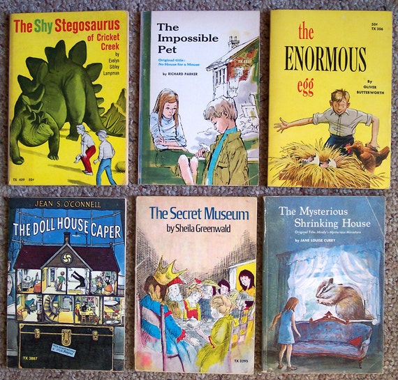Lot of 12 Scholastic Paperback Children's Books Where the Wild Things Are Etc...