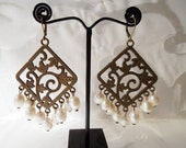 Antique gold plated earrings with freshwater pearls