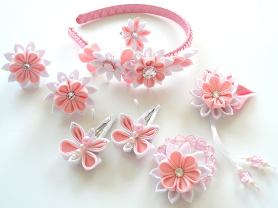 Kanzashi fabric flowers. Set of 8 pieces. Pink and white.