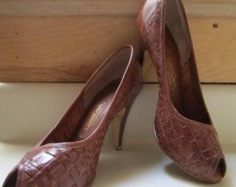 Vintage Woven leather heels peep toe Qualicraft size 7 B