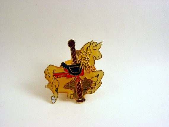 Round And Round (vintage retro cute 80s carousel horse unicorn enamel brooch pin)