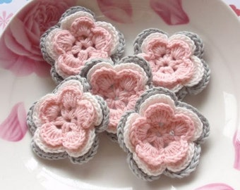 5 Crochet Flowers In Gray, Off  White, Lt Pink YH-032-01