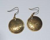 Unique metallic design earring