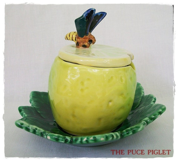 Vintage Cute and Bright  Majolica Style Bee/Wasp on a Lemon Jam Jar from Spain