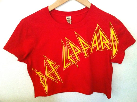 Vintage DEF LEPPARD Red Cropped T Shirt Size small
