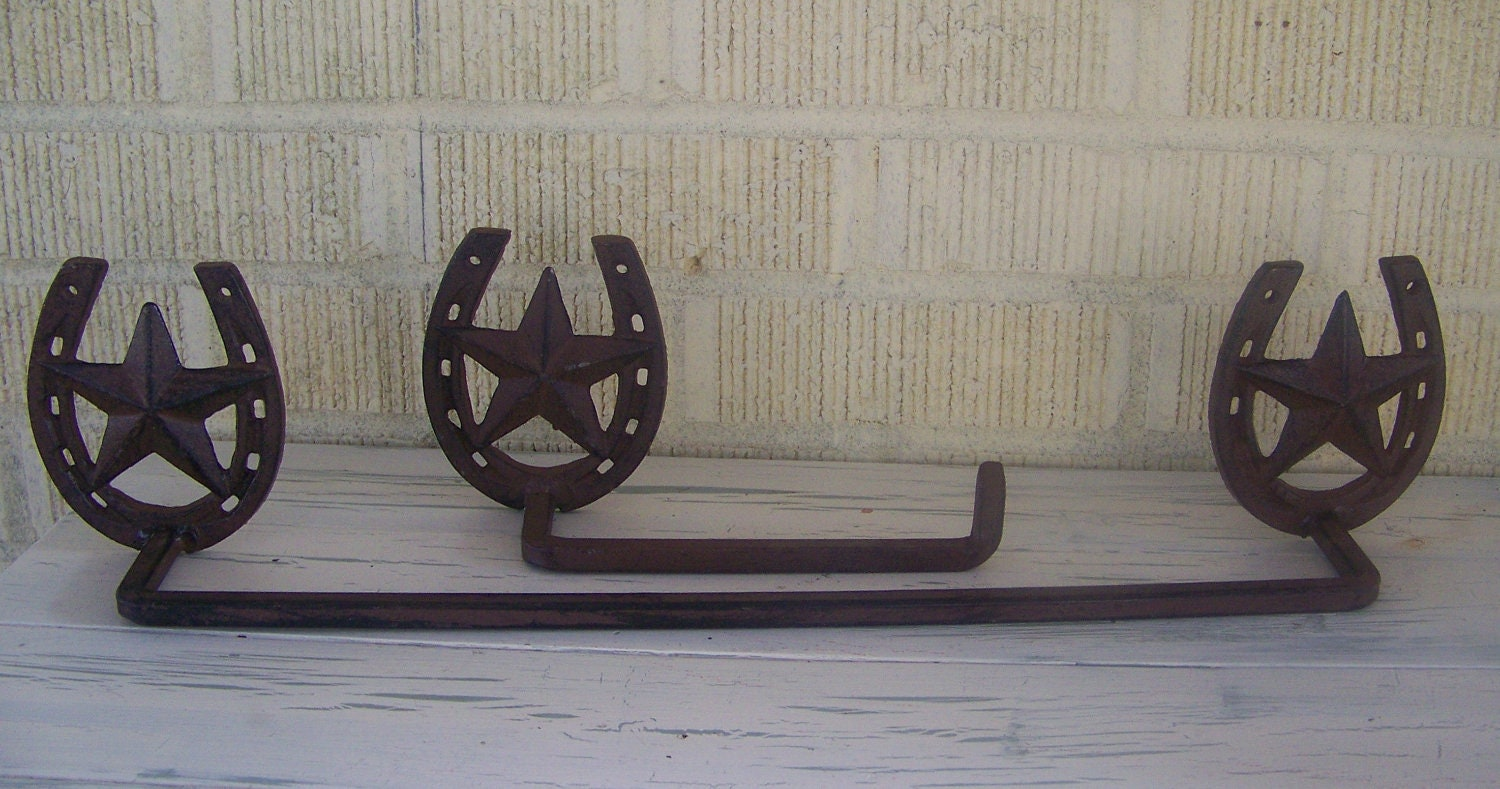 Rustic Horseshoe And Star Towel Rack With Toliet Tissue