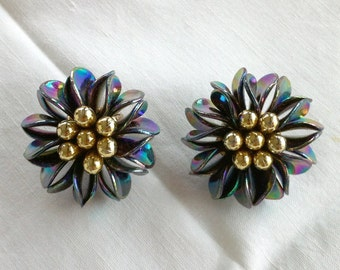 Vintage fantasy clip on flower earrings // Gift For Friend //Vintage earrings // Vintage jewelry // Earrings vintage