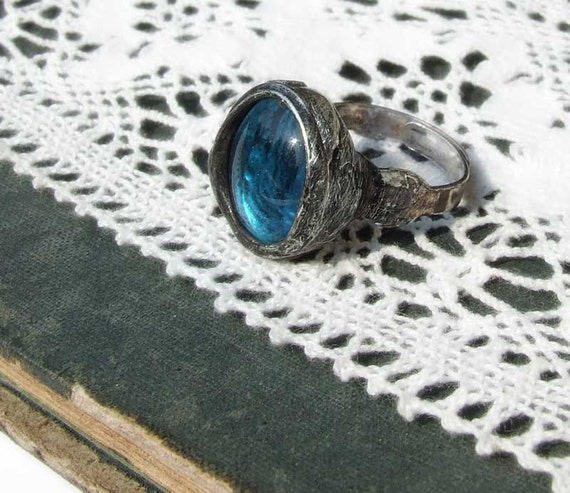 adjustable ring turkuise blue glass ideal gift teen christmas handmade by MARIAELA