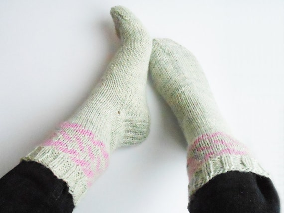 Knitting Pattern Thick Wool Socks : Thick boot socks in grey and pink knit wool socks