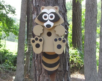Rocky Raccoon Birdhouse