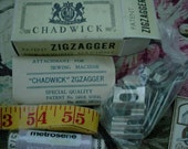 Small lot of vintage sewing items