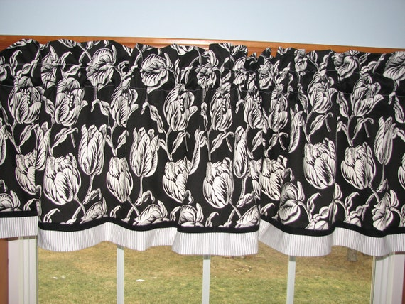 "Sterling Prints Tulips White Black Toile Valance 17"" x 54"" Dra Wt Alter Curtain Window Treatment"