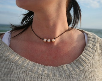 Necklace, Fresh Water Pearl and Leather, Fresh Water Pearl, Leather Necklace, Pearl Necklace, First Anniversary, Bead Necklace