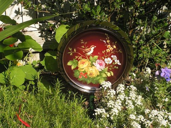 Garden yard art glass flower plate vintage china art for Garden art from old dishes